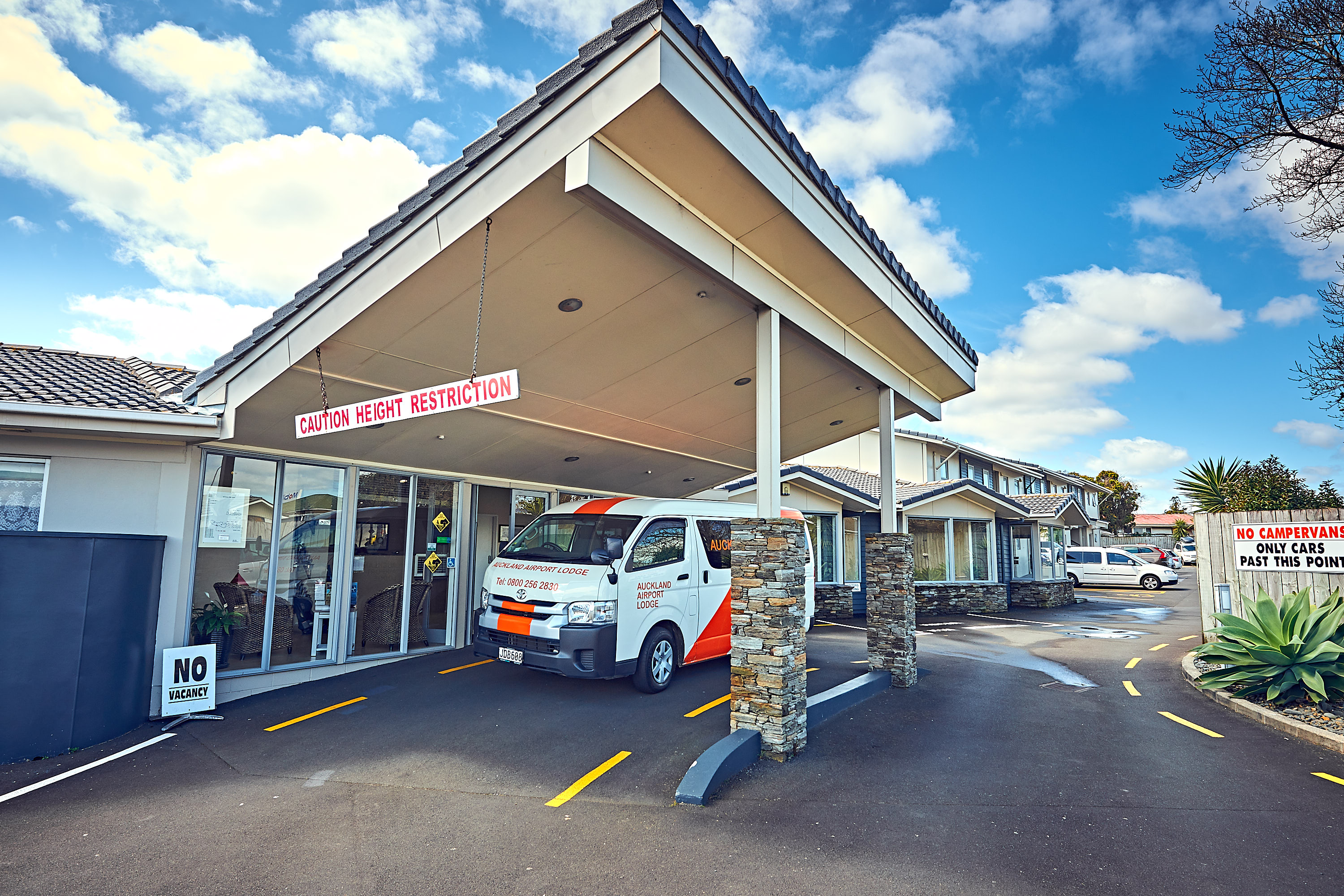 Auckland Airport Lodge offers a warm and inviting environment with modern rooms tastefully decorated in the latest style. Our lodge is your home away from ...